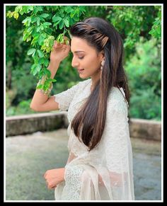 Lovely Girl Image, Beautiful Girl Photo, Girls Image, Erica Fernandes, Girl Photos, Flower Girl Dresses, Skin Care, Actresses, Poses