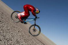 Max Stöckl bricht Geschwindigkeits-Weltrekord mit Serien-Mountainbike