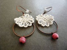 Ivory Lace Flower / Copper / Pink Glass
