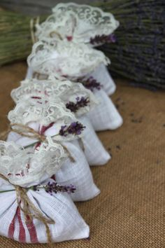 Fill some sachets with dried flowers and enjoy their beneficial properties indoors. They make wonderful gifts and are easy to make. Steps to make the sachets are included with a photo tutorial.