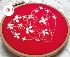 kit de broderie traditionnelle - coeur by Fileusedetoiles on Etsy