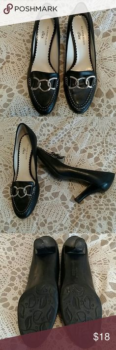 AK ANNE KLEIN ~ inflex AKCOLLEN style~All Leather upper, man-made sole. Gently worn a hand full of times. Black leather with decorative silver buckle across top of shoe. EUC **BUNDLE $ SAVE** **SAME DAY SHIP or NEXT** Anne Klein Shoes Heels