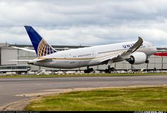 """United Airlines, Boeing 787-8 Dreamliner. This precise """"bird"""" took me from London Heathrow to Houston George Bush airport July 26..."""