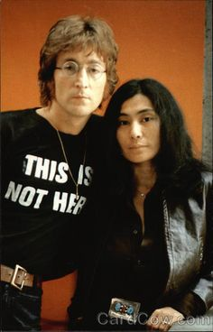Chrome Postcard John Lennon and wife Yoko Ono Celebrities John Lennon Yoko Ono, Imagine John Lennon, John Lennon Beatles, The Beatles, Jhon Lennon, Beatles Photos, Abbey Road, Pop Rock, Rock N Roll