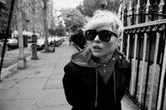 Alex Keating posted Debbie Harry- red hoodie under leather jacket to his -hair tips- postboard via the Juxtapost bookmarklet. Blondie Debbie Harry, Sunnies, Sunglasses, Red Hoodie, Girl Crushes, Style Icons, Beautiful People, Leather Jacket, Street Style