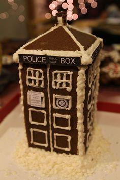 Geek Art Gallery: Sweets: Gingerbread TARDIS