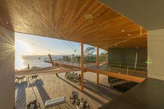 Construído na 2012 na Costa Rica. Imagens do Paul Domzal. A residência Céu Mar é um projeto de colaboração entre a empresa Barnes Coy Architects, em Nova Iorque, criadores do conceito e desenho inicial e...