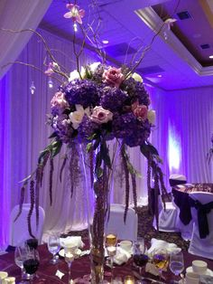 Elegant Wedding Centerpiece | Events by Dream Makers - Florida | #floral #decor #wedding #centerpieces #flower