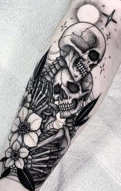 Badass Tattoos, Body Art Tattoos, Hand Tattoos, Tattoo Ink, Tattoo Drawings, Tatoos, Gold Tattoo, Tattoo Black, Diy Tattoo