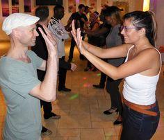 SalsaPartyTime.com London Bachata classes and Salsa lessons + Party Thursday 13.10.16 @ Bunga Raya, 785 London Road, Surrey CR7 6AW