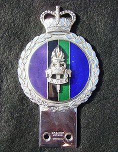 VINTAGE 1960s ROYAL ARMY EDUCATIONAL CORPS CAR BADGE -RAEC EMBLEM JR GAUNT RARE (03/25/2012)