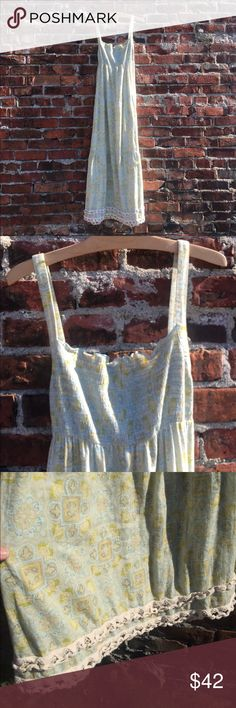 Juicy couture boho festival sun dress Listed as 'p' but wide across the chest/shoulders- listing as a Medium- I'm a medium and it fits everywhere else- but shoulders are too broad for me. Juicy Couture Dresses Maxi
