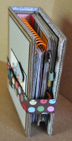 Clever! Travel album from cardboard box