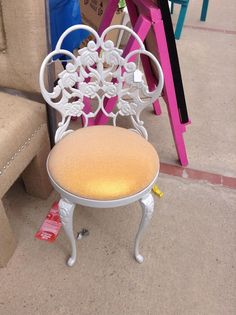 For Victoria Shipping on this Pink Vanity Chair | Vintage vanity ...