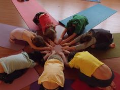 Yoga for children: Sunflower, crocodile swamp challenge Yoga Poses For Two, Kids Yoga Poses, Basic Yoga Poses, Yoga Poses For Beginners, Yoga For Kids, Exercise For Kids, Partner Yoga, Preschool Yoga, Childrens Yoga