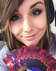 Twitch.Tv/miss_rage  Back to league! Road to bronze Skingiveaway after every game!!! by missrage