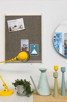 Tischleuchte Signal von Jieldé in vielen Farben erhältlich. Gallery Wall, Mirror, Table, Home Decor, Light Fixtures, Colors, Decoration Home, Room Decor, Mirrors