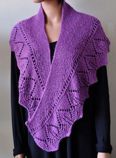 Panda Pearl Leaf Shawl, free pattern.  ~450 yards dk/light worsted.  Size US 7 and 8 needles (larger needles used for cast on & bind off only)