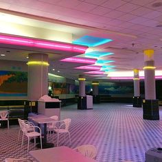 Cyberpunk Aesthetic, Neon Aesthetic, Aesthetic Rooms, Dead Malls, Design Exterior, Grunge, Girly, Star Wars, New York