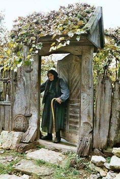 Transylvanian Lady with symbols of Perun. People Around The World, Around The Worlds, Romania People, In Vino Veritas, Old Doors, Garden Gates, Traditional House, Countryside, Places To See