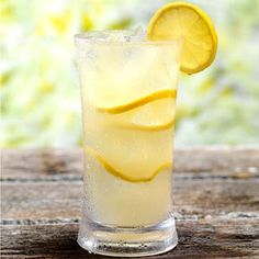 The added Stevia In The Raw gives the natural lemon flavor in this drink an added sweet kick, without any calories!