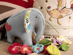 randomstuffiwanttomake:    Elephant softie    Hey, this is a free pattern! And it's adorable.