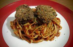 Spicy Black Bean Balls with Chipotle Pasta Sauce | xtinaluvspink.wordpress.com