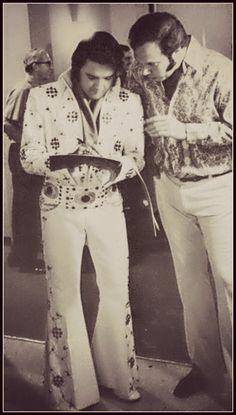 candid Elvis