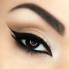 Love a clean neutral look with a black liner, my favorite black liner is little black dress gel liner from @motivescosmetics , no matter what liner I try, I always go back to this one because it's simple the best, I also use it on my waterline ❤️ other products used- natural eyeshadow palette from @nyxcosmetics , lashes are scarlet from @lovelovelashes , brows are dark brown #dipbrow from@anastasiabeverlyhills ❤️ brushes are from @sigmabeauty