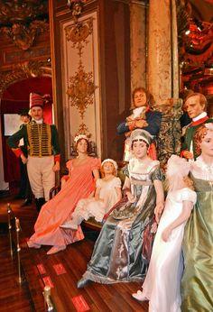 2012.02.16.71 PARIS - Musée Grévin - La coupole -  la famille Bonaparte à la Malmaison by alainmichot93 (At home), via Flickr