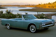 1964 Lincoln Continental convertible (1280×841)