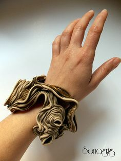 ¨Thread reaction¨, polymer clay jewelry..