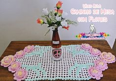 Caminho de Mesa com Flores de crochê - Desi Winters