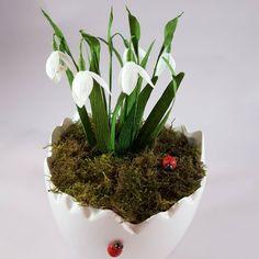 "33 aprecieri, 3 comentarii - Marianne (@marianneweddingdesign) pe Instagram: ""Snowbells flower # paperflowers# papercraft# doublettepaper # spring# snowbells# flower"" My Flower, Flowers, Planter Pots, Spring, Instagram, Royal Icing Flowers, Flower, Florals, Floral"