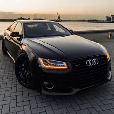 Aspire 4 more! all black Audi . Land Cruiser 200, Toyota Land Cruiser, Luxury Sports Cars, Best Luxury Cars, Audi Sport, Sport Cars, My Dream Car, Dream Cars, Carros Audi