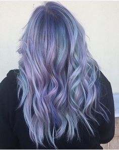 Lavender Hair With Gentle Highlights; Adorable Silver Lavender Hair Trend in 2019 Pastel Purple Hair, Hair Color Purple, Blue Hair, Lilac Color, Colorful Hair, Hair Colours, Pink Hair, Lavender Hair, Lavander