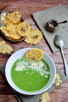 Supă cremă de broccoli cu rondele de parmezan Baby Food Recipes, Soup Recipes, Healthy Recipes, Palak Paneer, Avocado Toast, Vegan Vegetarian, Broccoli, Food To Make, Hummus