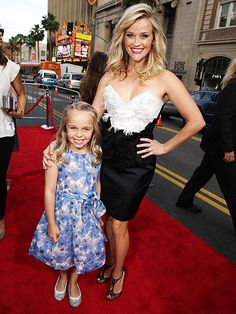 Star Tracks: Friday, May 1, 2015 | MINI-ME | Meanwhile, Reese Witherspoon takes a moment away from her other half (costar Vergara) to pose with her beaming niece, Abby James, who plays a young Witherspoon in the film.