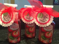 An Apple For the Teacher-freebie label to attach to some apple soap for a teacher! Easy and cute gift!