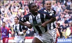 Darren Moore celebrates scoring West Brom's first goal 21.4.2002 beating Crystal Palace 2-0