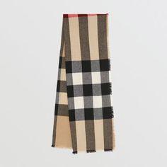 Écharpe en laine et cachemire à motif check avec franges (Camel)   Burberry b21ce0ef517