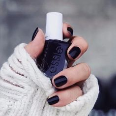 """866 Likes, 3 Comments - essie (@essiepolish) on Instagram: """"cozy in gel couture #amethystnoir from the #essieholiday2017 collection. photo: @__houseofnails__"""""""