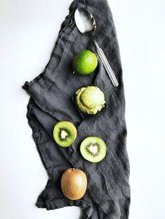 Karkkipäivä: Limellä maustettu kiivisorbetti (makeuttamaton)