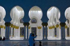 ERCO - Descubrir la luz - Contemplation - Mezquita Sheikh-Zayed-bin-Sultan-Al-Nahyan