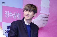 [PIC] 150312 Chanyeol - Jangsoo Shop Press Con (cr sab)