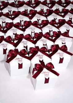 Elegant Wedding Bonbonniere, Wedding favor boxes with Wine Burgundy satin ribbon bow and personalized tag, custom candy box for party guests