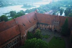 Castles, Châteaux, and Fortresses - Content concerning historic fortifications and palaces. Malbork Castle, Fortification, High Quality Images, Architecture Design, Community, Pictures, Photos, Palaces, History