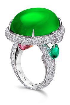 Anna Hu world sales record for a Chinese contemporary jewelry artist Magnificent Jewels auction at Christies in Hong Kong Anna Hus Jadeite Orpheus    the highest auction sales price for a Chinese contemporary jewelry artist