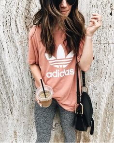43 Cute Leggings That Will Keep You Warm During Winter - Fashionetter Cute Lazy Outfits, Fall Outfits, Casual Outfits, Oversized Shirt Outfit, Saturday Outfit, Cute Leggings, Glitter Leggings, Foto Pose, Fall Fashion