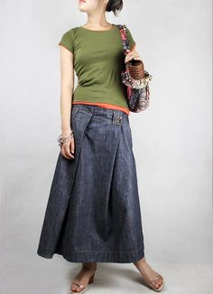 long charcoal linen pleated skirt is wonderful to take one from spring through early fall